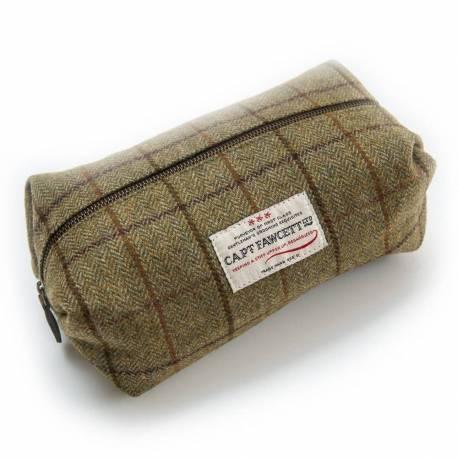 CAPT FAWCETT'S Tweed washbag